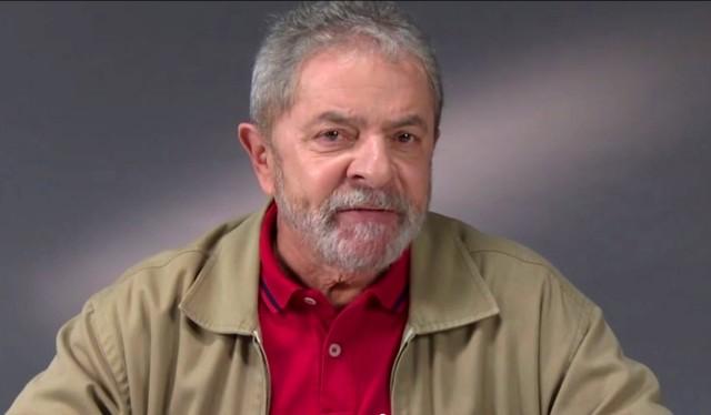 Em encontro com Mujica, Lula inicia caravana no Sul do país