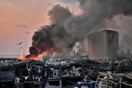 Beirute fica em luto após explosões que deixaram mais de 100 mortos