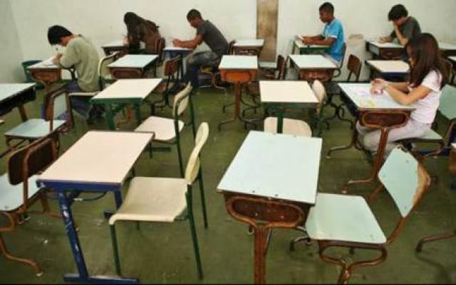 RS tem 110 mil alunos matriculados, mas fora da sala de aula