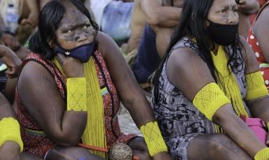 Mulheres indígenas fazem ato em Brasília por mais direitos e contra 'marco temporal'