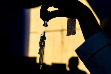 Faixa etária vacinada no RS registra queda na proporção de mortes por Covid em relação à média