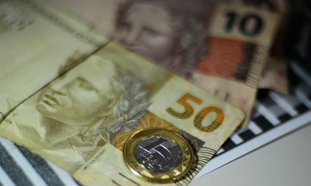 Caixa paga auxílio emergencial a nascidos em fevereiro