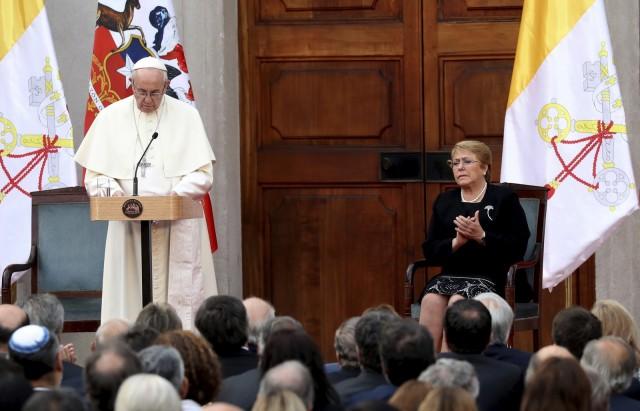 Escutemos o grito das crianças que pedem justiça', diz Papa Francisco ao abrir reunião contra pedofilia