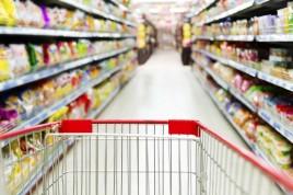 Varejo raciona e acusa indústria de reajustar preços