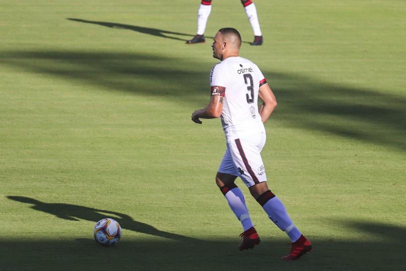 Após derrota para o Figueirense, Brasil joga contra o líder