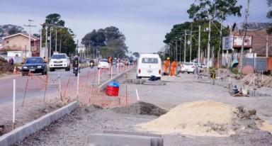 Novo corredor de ônibus na Duque só funcionará após fim da obra no canteiro central