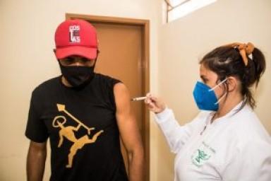 Vacinação contra Covid-19 para jovens de 14 anos
