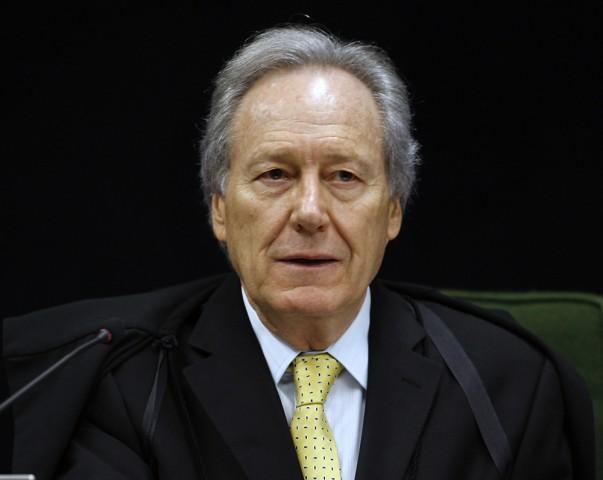 Lewandowski desmente notícia falsa sobre julgamento de Lula
